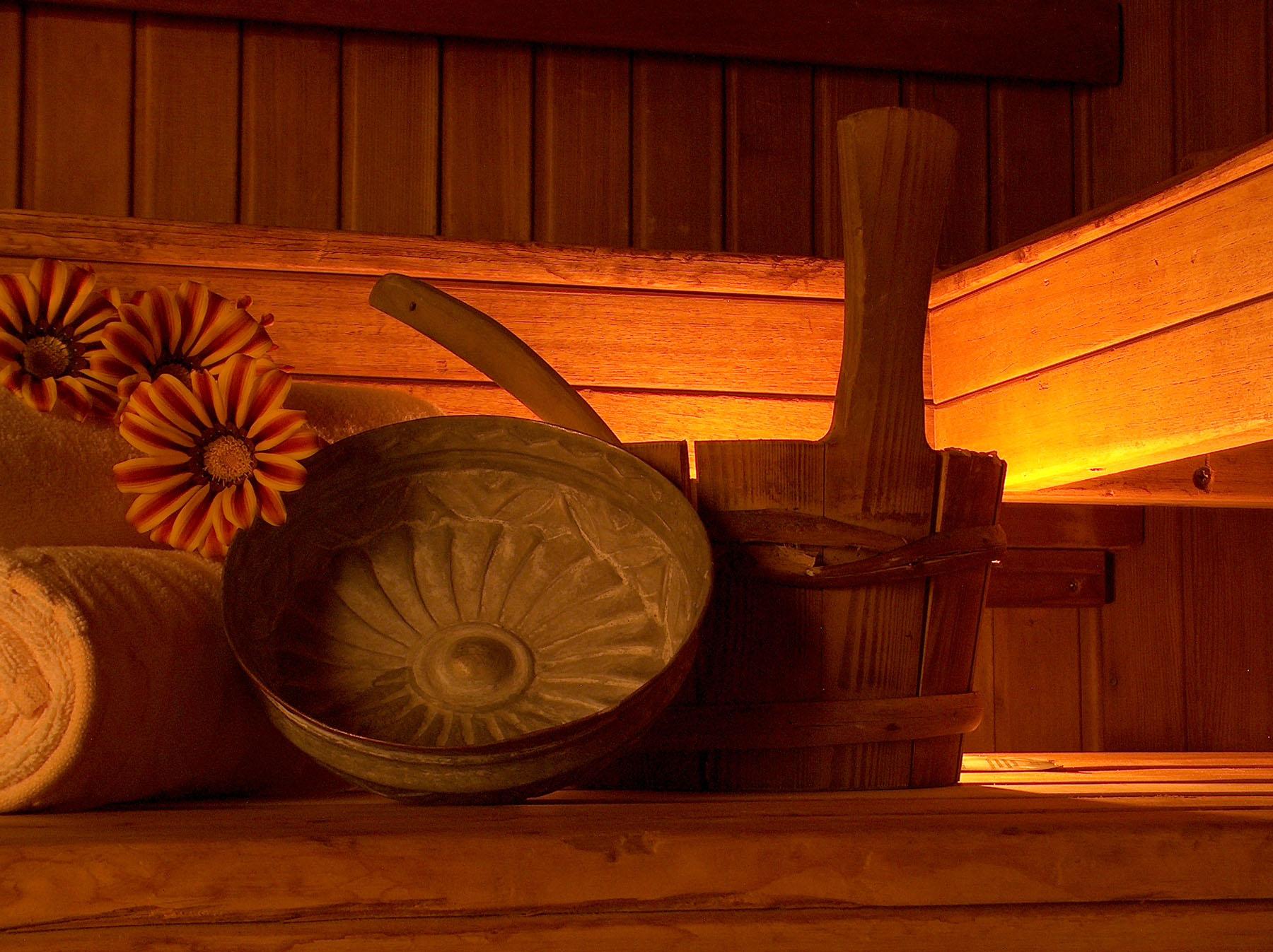 Saunazubehör beim Saunagang